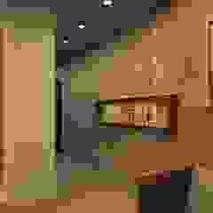 Corredores, halls e escadas asiáticos por Prism Architects & Interior Designers Asiático