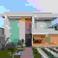 من Livia Martins Arquitetura e Interiores تبسيطي