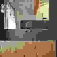 Salle de bain rustique par MIDE architetti Rustique