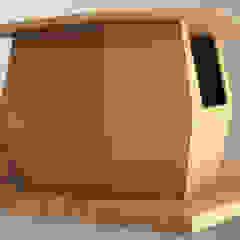kiosk Varandas, marquises e terraços industriais por Marcos Alves Design Industrial Madeira Acabamento em madeira