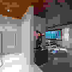 Gimnasios domésticos rústicos de VNK Arquitetura e Interiores Rústico