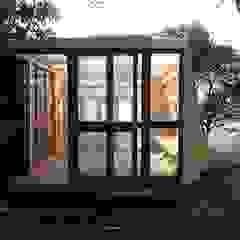 Winter house Jardins de Inverno escandinavos por Tomaz Viana Designermaker Escandinavo