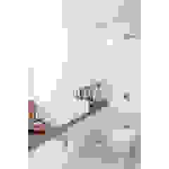 Apto. Joaquim Banheiros minimalistas por RSRG Arquitetos Minimalista