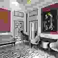 Lake House, Lago di Como, Italy Klassieke gangen, hallen & trappenhuizen van Ethnic Chic - Home Couture Klassiek