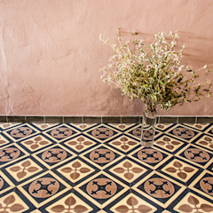 Classic style garden by Mosaic del Sur Classic