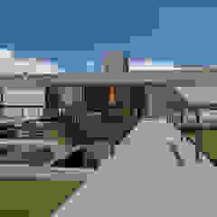 Modern Terrace by grupo pr | arquitetura e design Modern