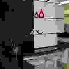 Catharina Quadros Arquitetura e Interiores Modern Kitchen Black