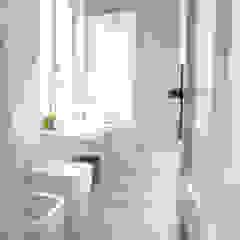 Mediterranean style bathrooms by con3studio Mediterranean Concrete