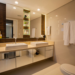 Eclectic style bathrooms by Casa2640 Eclectic
