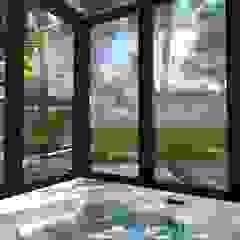 Jardim residencial moderno com áreas para lazer Spa moderno por Studio² Moderno