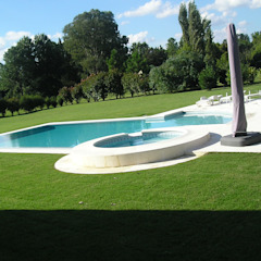 Country style pool by homify Country