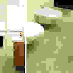 DOM NA MAZURACH Śródziemnomorska łazienka od Drob Design Śródziemnomorski Ceramiczny