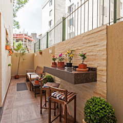 Tropical style balcony, porch & terrace by Patrícia Azoni Arquitetura + Arte & Design Tropical
