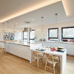 توسط HONEYandSPICE innenarchitektur + design مدرن