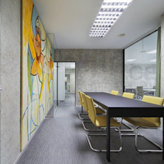 Classic style study/office by Arquitectos Suarez Classic