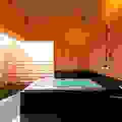 Casas de banho asiáticas por AMI ENVIRONMENT DESIGN/アミ環境デザイン Asiático