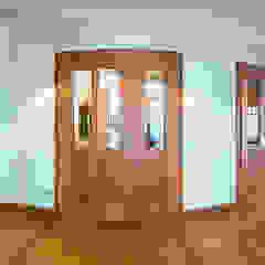 Puertas y ventanas clásicas de ARNOLD-Möbelmanufaktur GmbH & Co. KG - Finest Interiors Clásico Madera maciza Multicolor