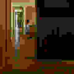私の家 モダンデザインの リビング の TRANSTYLE architects モダン