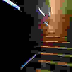STUDIO DI ARCHITETTURA RAFFIN Modern Corridor, Hallway and Staircase Iron/Steel Black