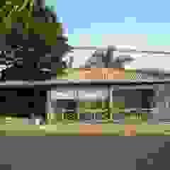 by Habitat Arquitetos Rustic