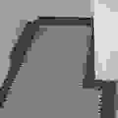 Terrazzo vloertegels bij MAWI tegels Klassieke gangen, hallen & trappenhuizen van MAWI Tegels B.V. Klassiek Tegels