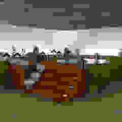 Área de lazer com spa. Spa moderno por Diogo Alvarez Arquitetura e projetos 3D Moderno Madeira Efeito de madeira