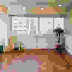 Scandinavian style living room by 바라다봄 스튜디오 Scandinavian
