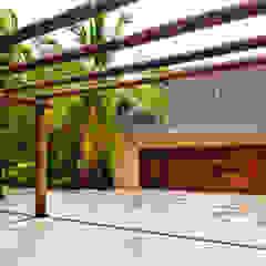 Egzotyczne ściany i podłogi od BR ARQUITECTOS Egzotyczny