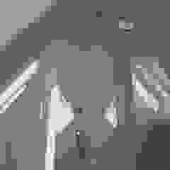 Badezimmer im Dachgeschoss FD Fliesen GmbH Moderne Badezimmer Glas