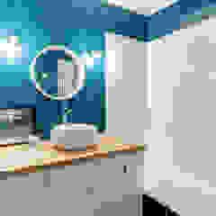 PROJET VOLTAIRE, Agence Transition Interior Design, Architectes: Carla Lopez et Margaux Meza Salle de bain moderne par Transition Interior Design Moderne