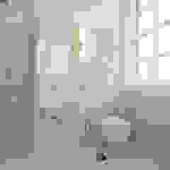 Porto Lounge Hostel Casas de banho modernas por aaph, arquitectos lda. Moderno