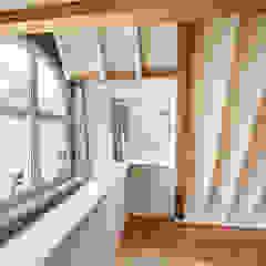 Twee onder een eigen kap Eclectische slaapkamers van Architectenbureau Vroom Eclectisch