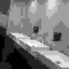 Bau-Art Taller de Arquitectura Modern bathroom Wood effect