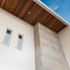 Modern houses by Grupo Arsciniest Modern Wood Wood effect