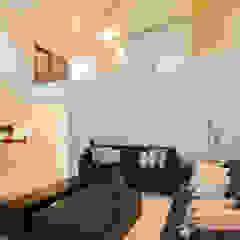 Modern living room by Grupo Arsciniest Modern Glass