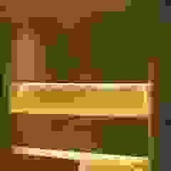 Ruang Makan Modern Oleh Estudio de iluminación Giuliana Nieva Modern
