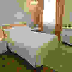 Modern Bedroom by Emmilia Cardoso Designers Associados Modern