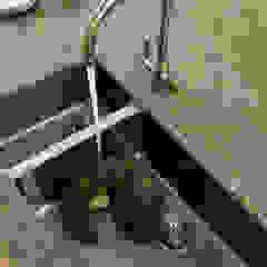 KITCHENS: The Aubrey Cue & Co of London Modern kitchen