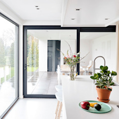Jolanda Knook interieurvormgeving Cucina in stile scandinavo
