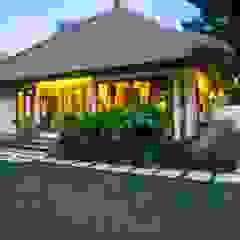 Azjatyckie domy od Buseck Architekten Azjatycki
