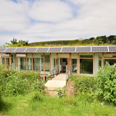 Porthcothan Responsive Home Modern houses by Innes Architects Modern