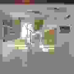 Modern corridor, hallway & stairs by Nadia Moretti Modern