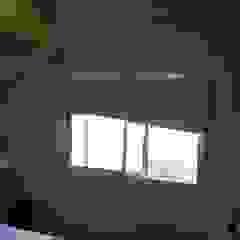 Duplex - Altos del Suquía Paredes y pisos minimalistas de ER Design. @eugeriveraERdesign Minimalista