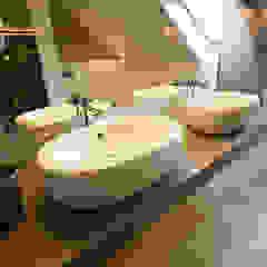 Baños de estilo minimalista de Tektura Studio Katarzyna Denst Minimalista Madera Acabado en madera