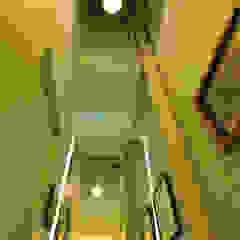 Baños de estilo moderno de Matealbino arquitectura Moderno