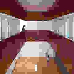 court house ミニマルデザインの ホームジム の 小泉設計室 ミニマル