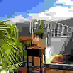 Giardino moderno di Arq Renny Molina Moderno