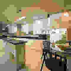 Departamento Malecon Miraflores Cocinas de estilo ecléctico de Oneto/Sousa Arquitectura Interior Ecléctico