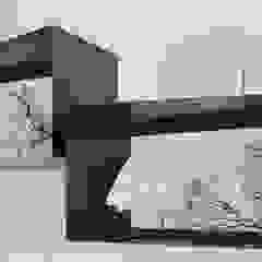 Elena Valenti Studio Design Living roomShelves Iron/Steel Black