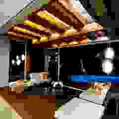 by Arquitetura Ao Cubo LTDA Tropical